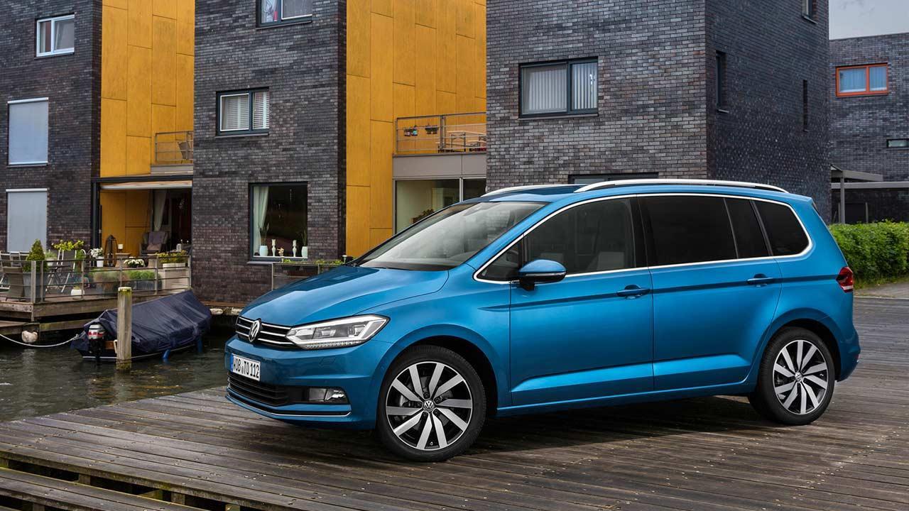 Volkswagen Touran - am Parkplatz