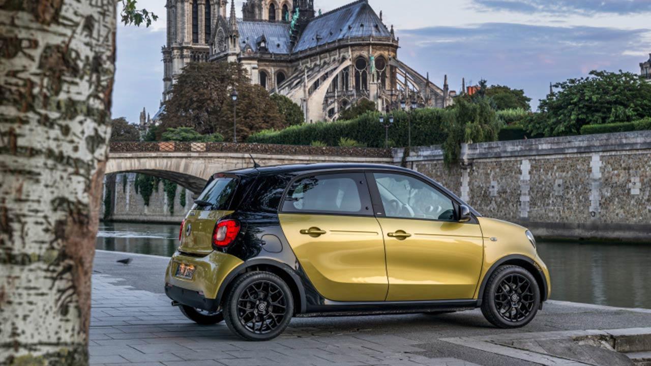 Smart Forfour  - in Paris