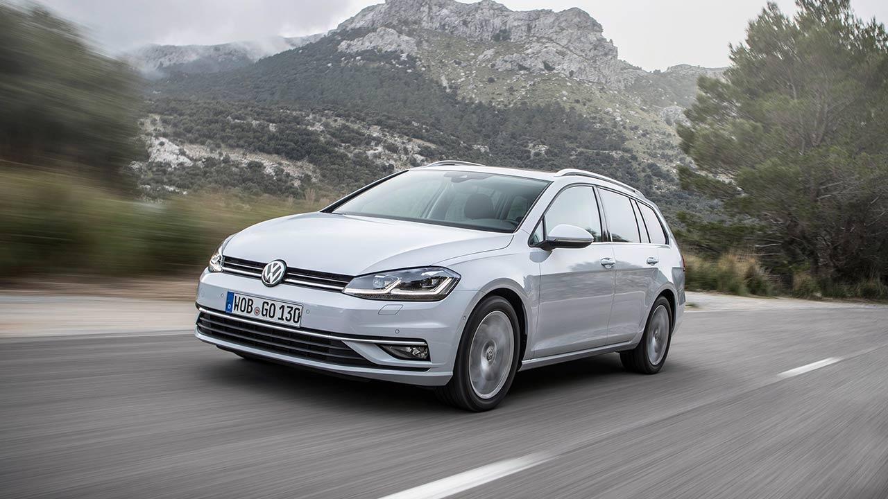 Volkswagen Golf VII Variant - in voller Fahrt