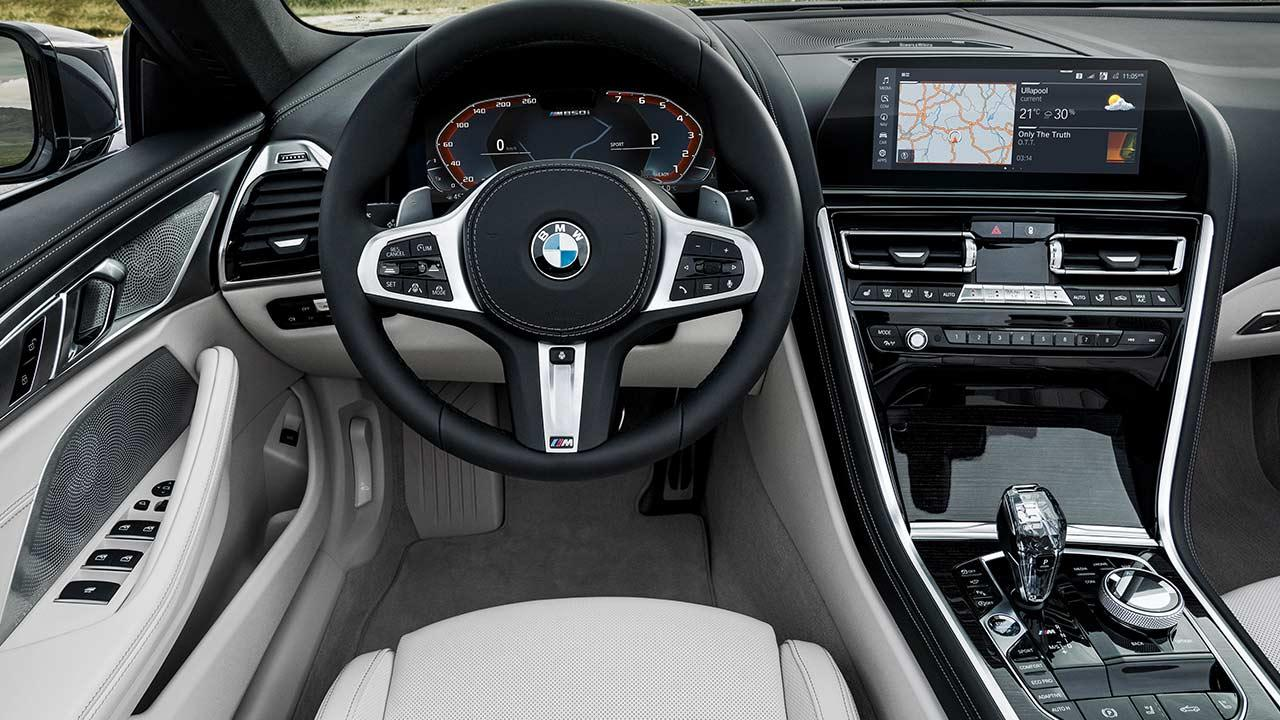 BMW M850i xDrive Cabriolet - Cockpit