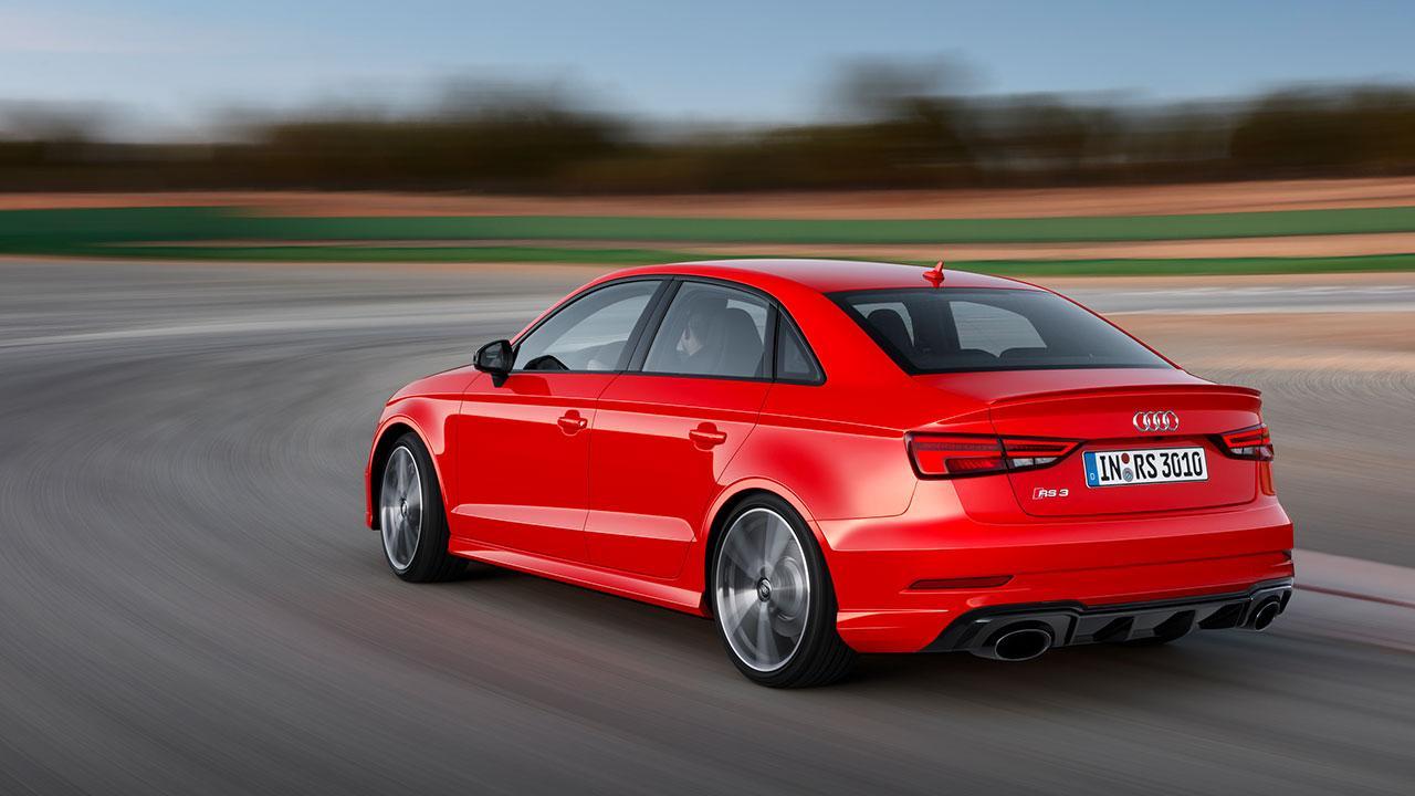Audi RS 3 Limousine 2017 - Rennstrecke von Hinten