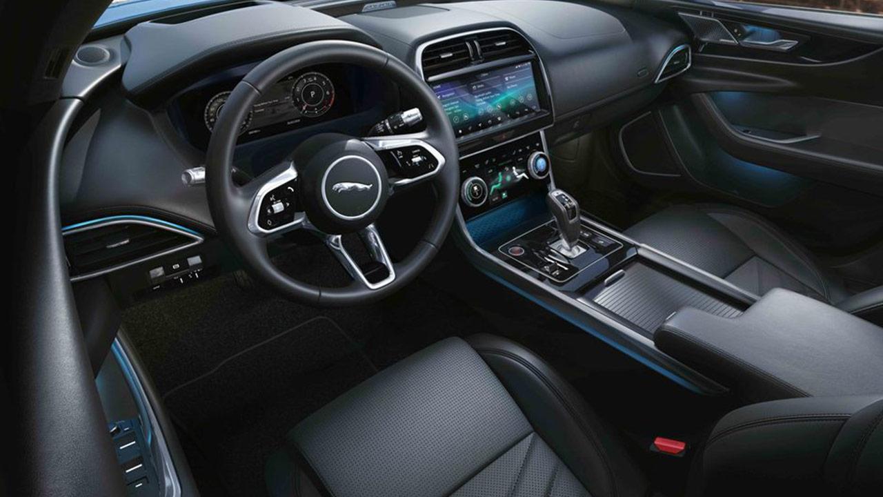 Jaguar XE - Cockpit