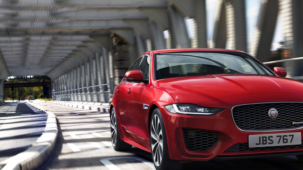 Jaguar XE - in voller Fahrt