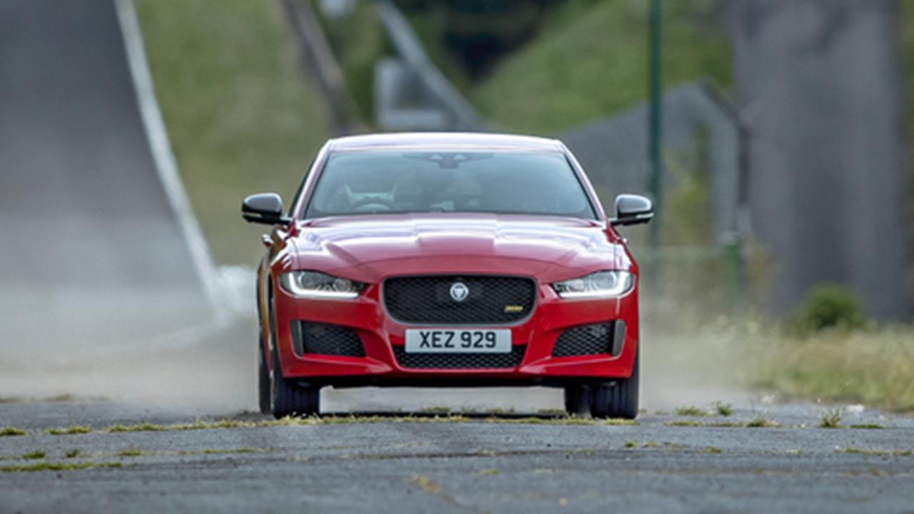 Jaguar XE - Frontansicht