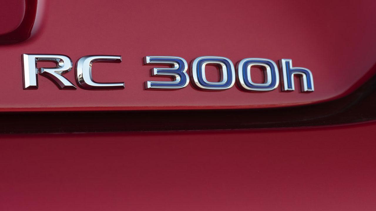 Lexus RC - Schriftzug