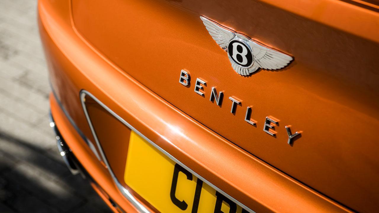 Bentley NEW Continental GT V8 - Schriftzug