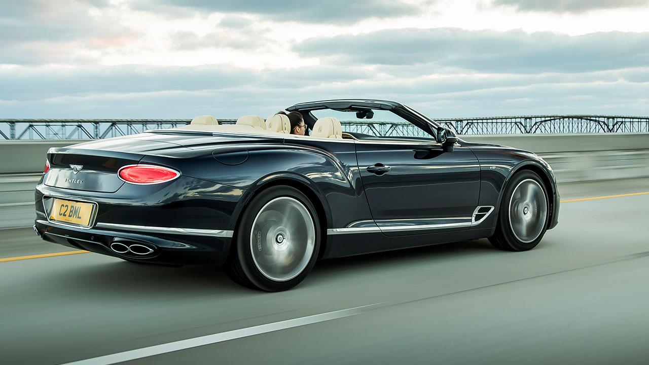 Bentley NEW Continental GT V8 Convertible - Heckansicht