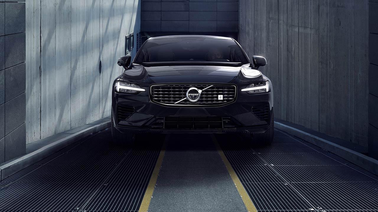 Volvo S60 - Frontansicht in schwarz