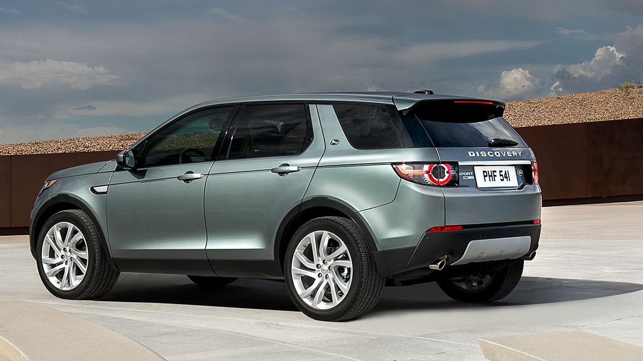 Land Rover Discovery Sport - seitliche Heckansicht