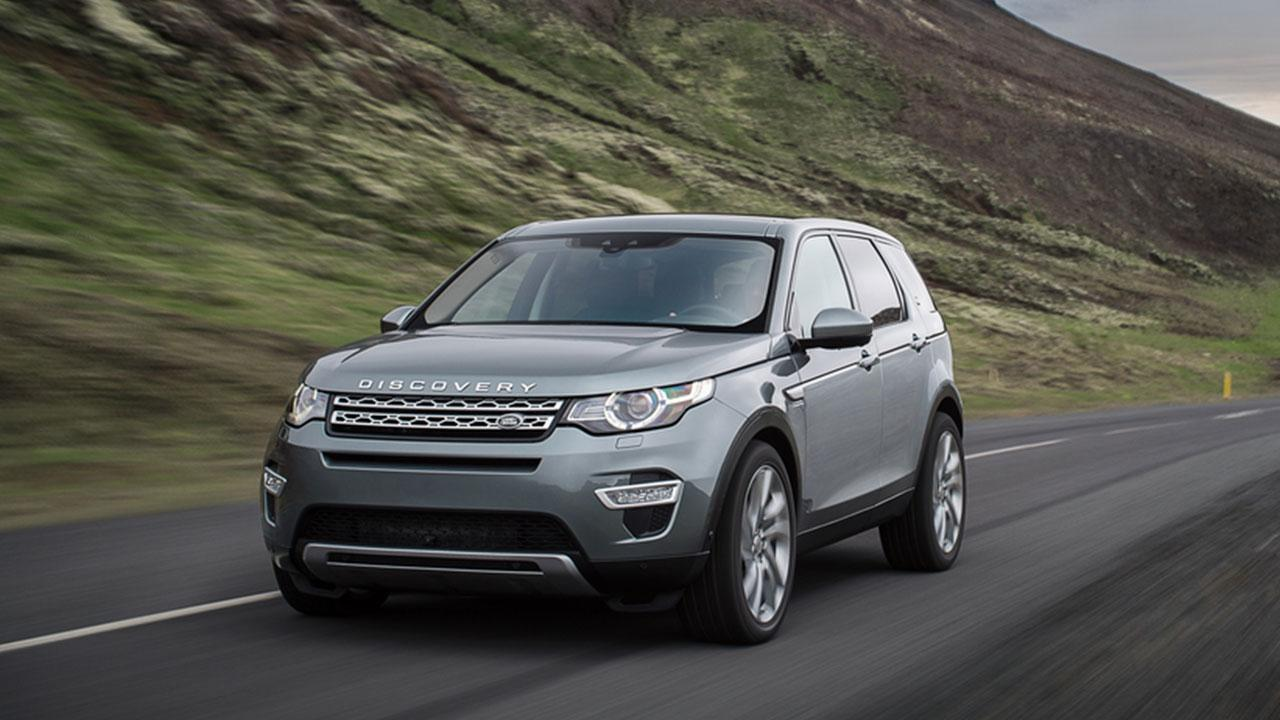 Land Rover Discovery Sport - in voller Fahrt