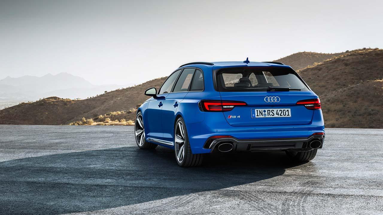 Audi RS 4 Avant 2017 - seitliche Heckansicht