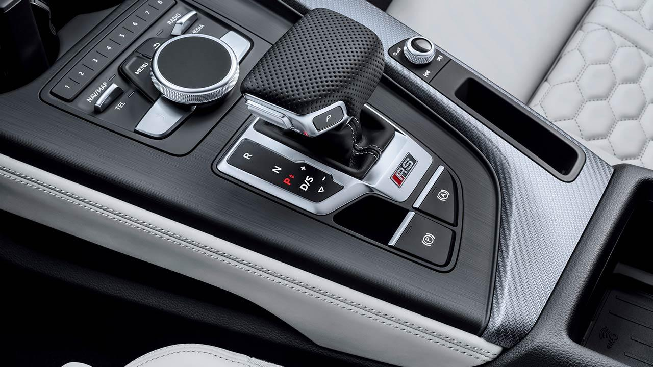 Audi RS 4 Avant 2017 - Schaltkonsole