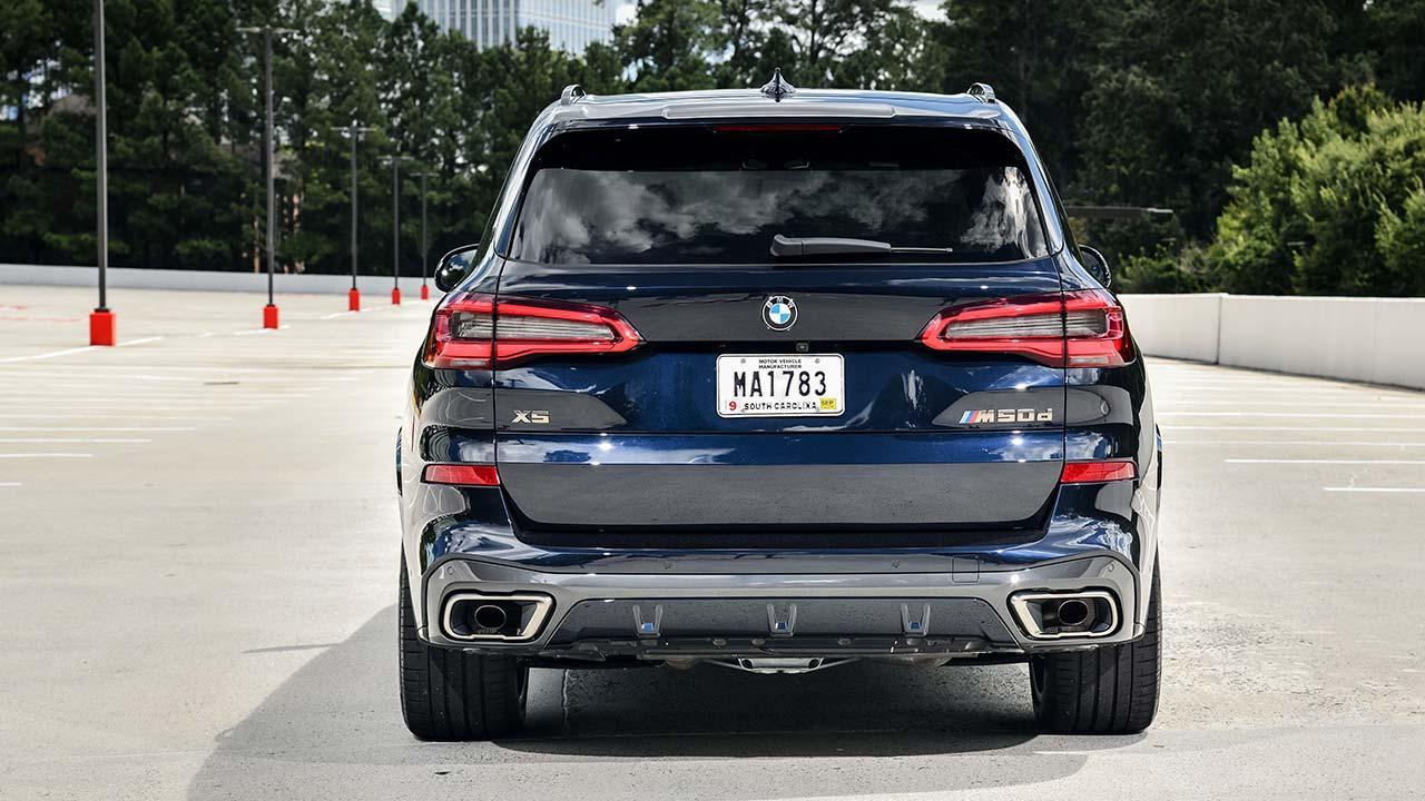 BMW X5 M50d - Heckansicht