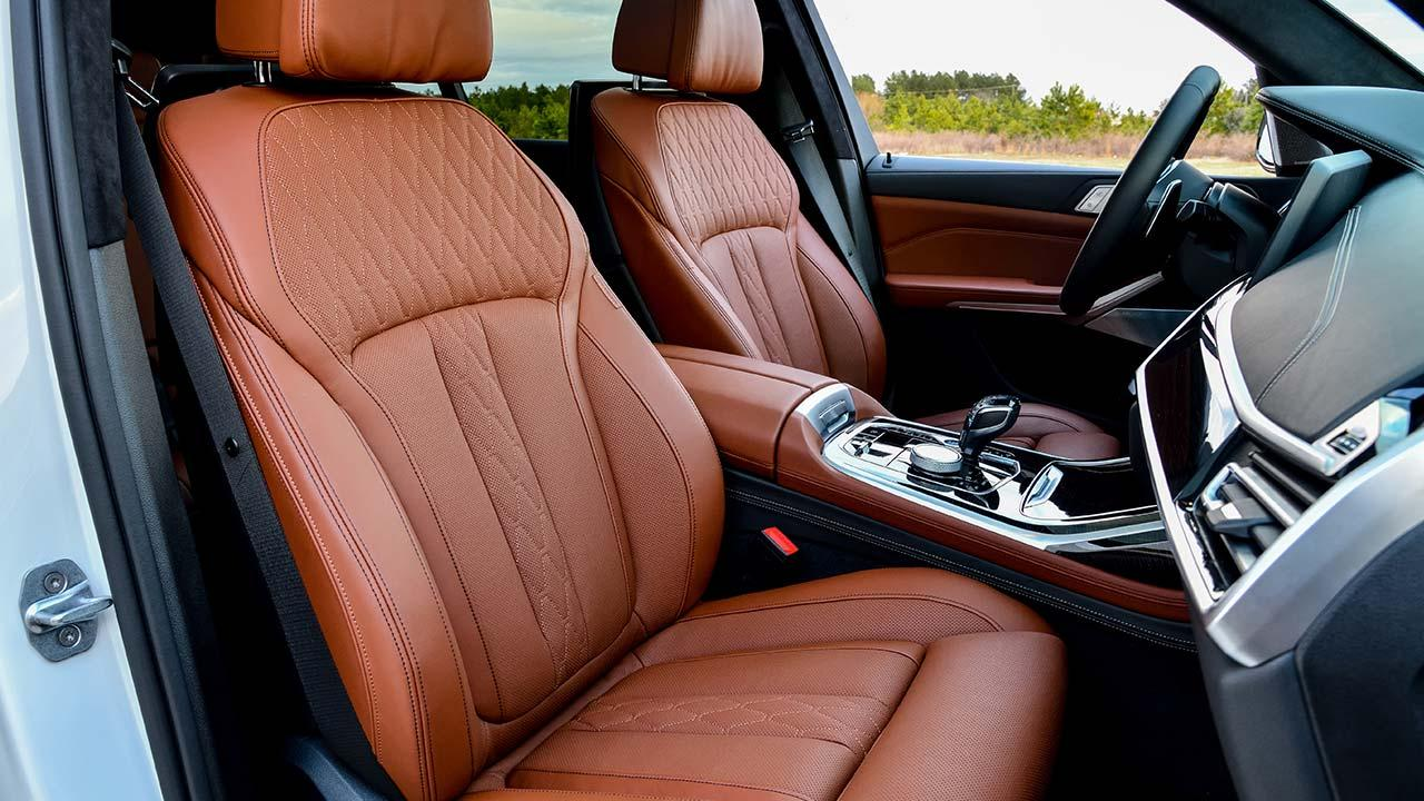 BMW X7 - Cockpit