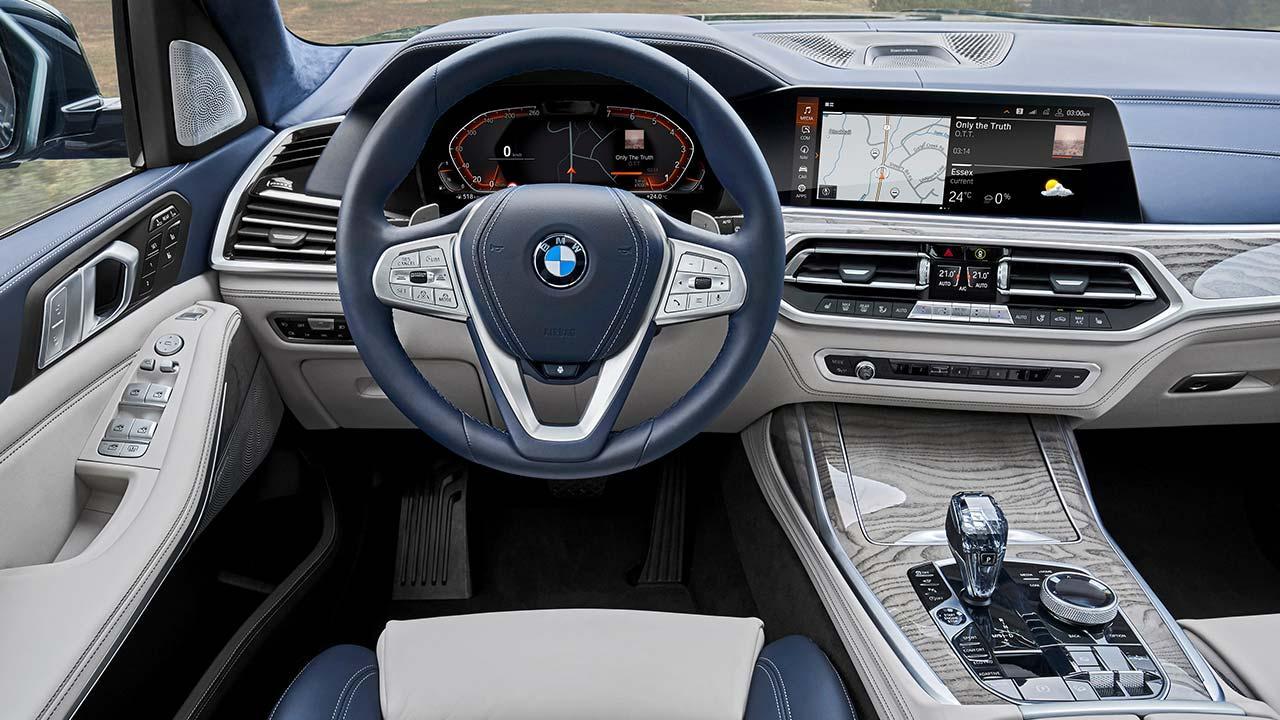 BMW X7 M50d - Cockpit