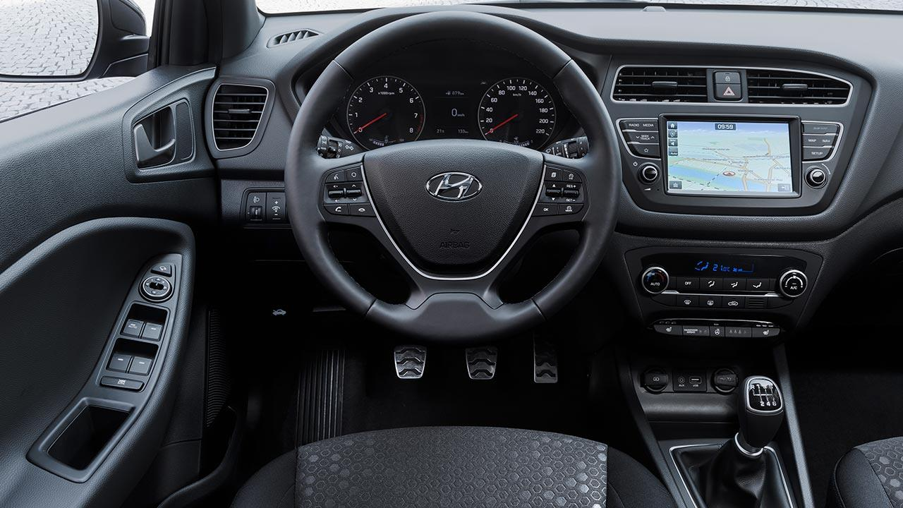 Hyundai i20 Active - Cockpit
