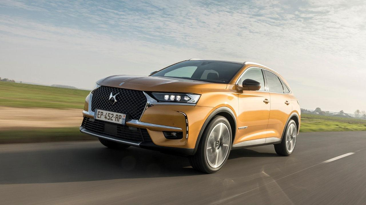 DS Automobiles DS 7 Crossback - in voller Fahrt