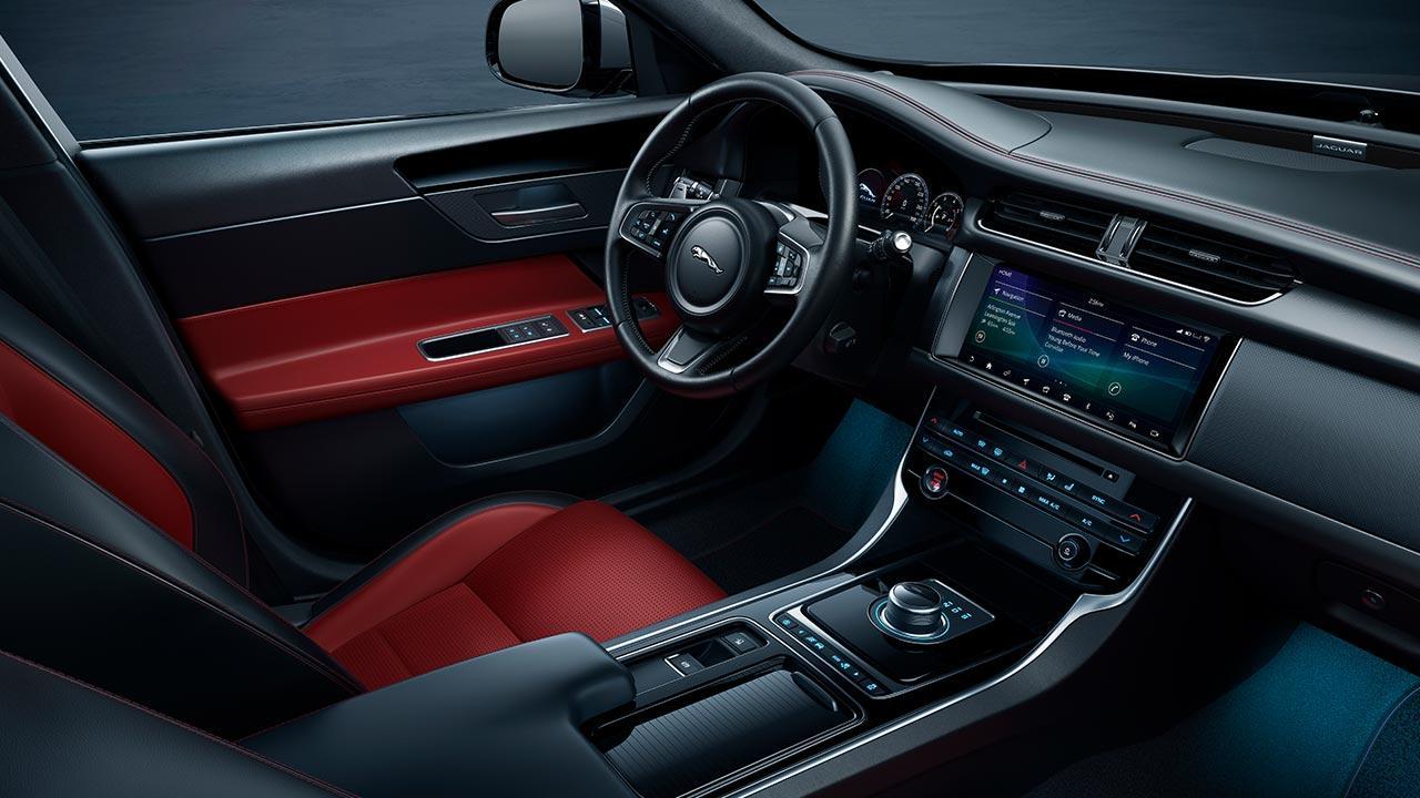 Jaguar XF Sportbrake - Cockpit