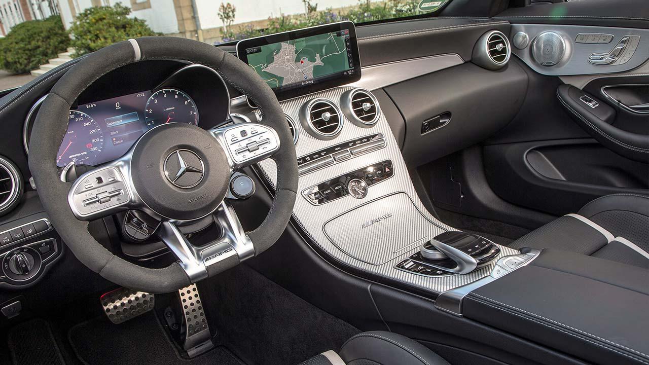 Mercedes-AMG C 63 Cabriolet - Cockpit
