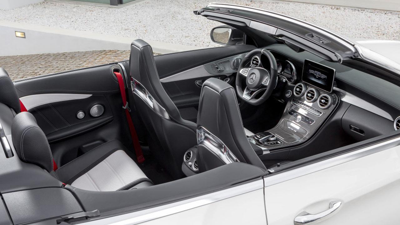 Mercedes-AMG C 63 S Cabriolet - Cockpit