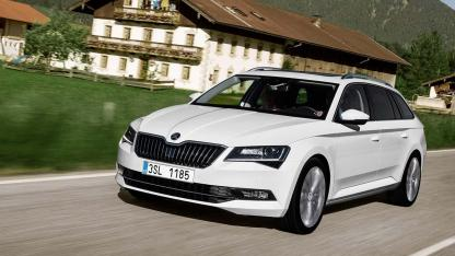 Skoda Superb Combi - in voller Fahrt