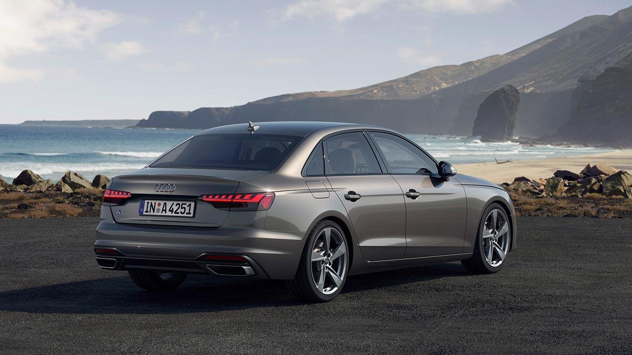 Audi A4 Limousine - seitliche Heckansicht