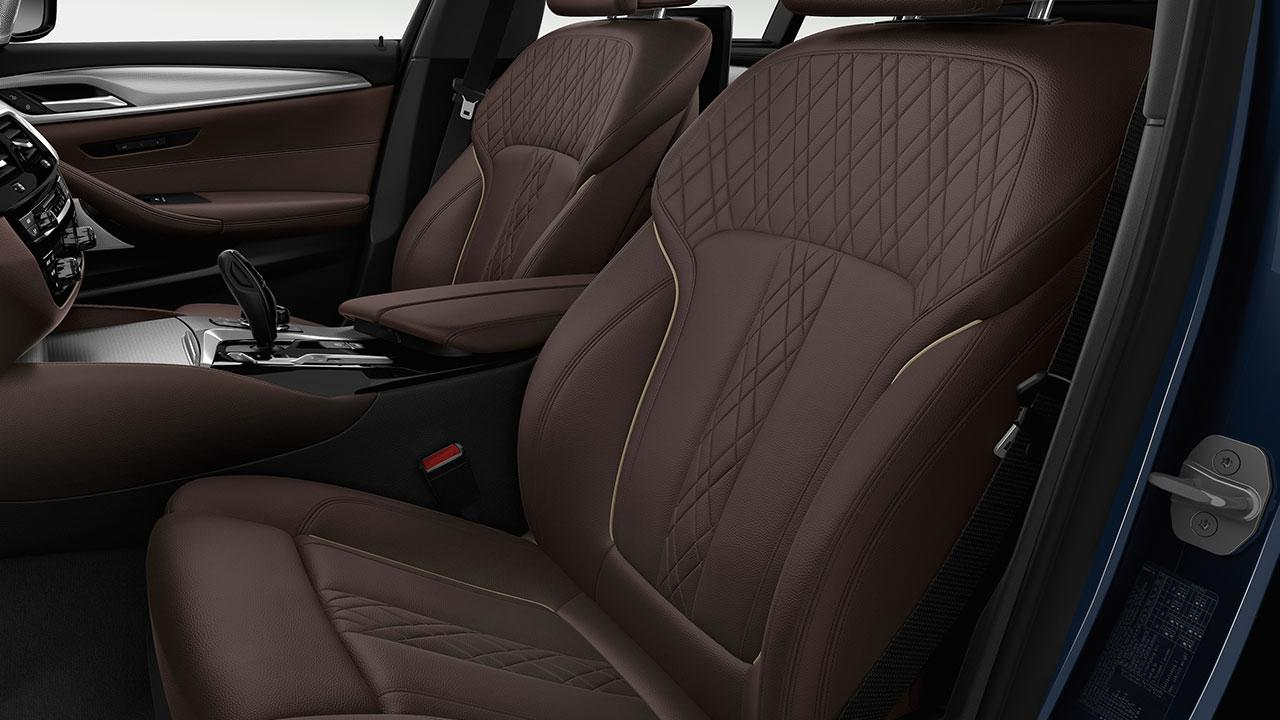 BMW 5er Touring - braune Vordersitze