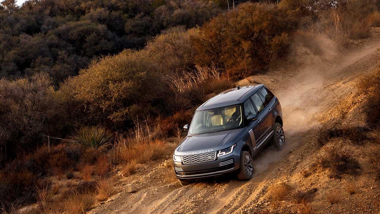Range Rover - den Hügel hinab