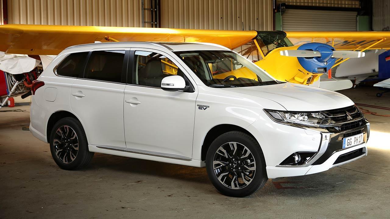 Mitsubishi Outlander - in weiß