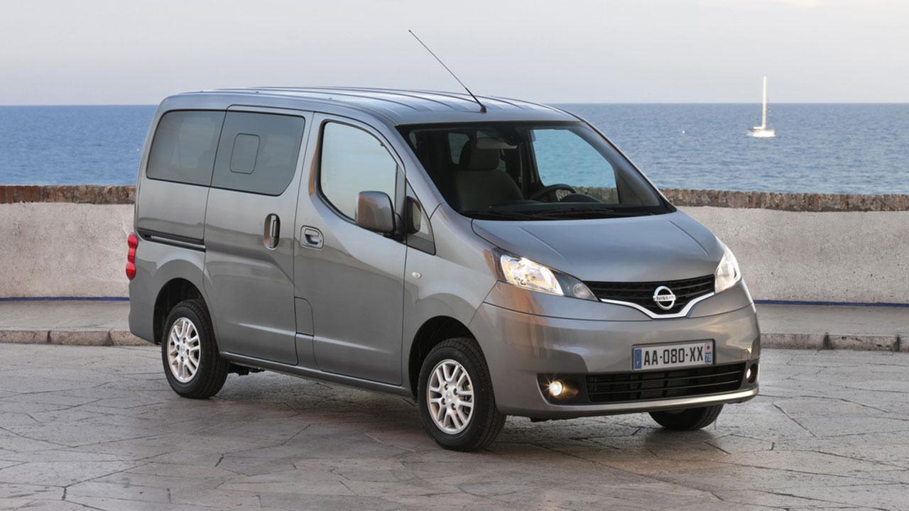 Nissan Evalia - am Meer