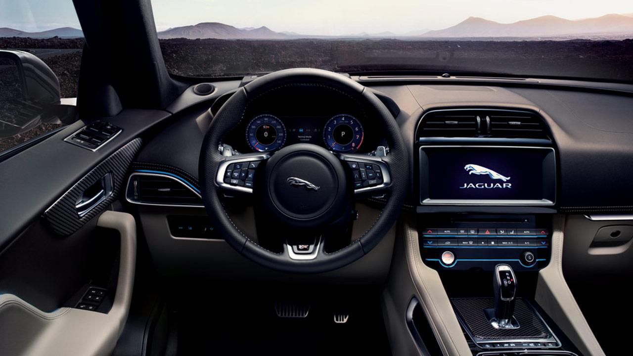 Jaguar F-PACE - Cockpit
