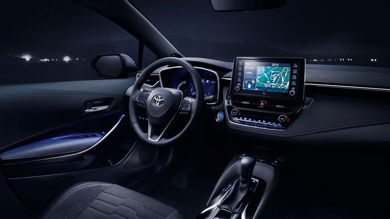 Toyota Corolla 5-Türer - Cockpit