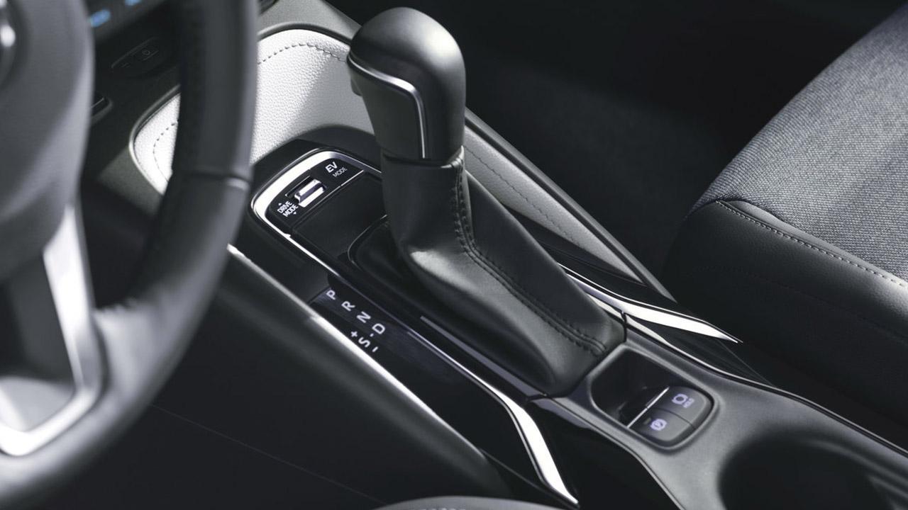 Toyota Corolla 5-Türer - Automatikhebel