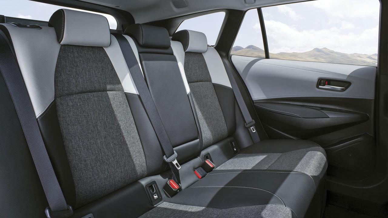Toyota Corolla Touring Sports - Rücksitze