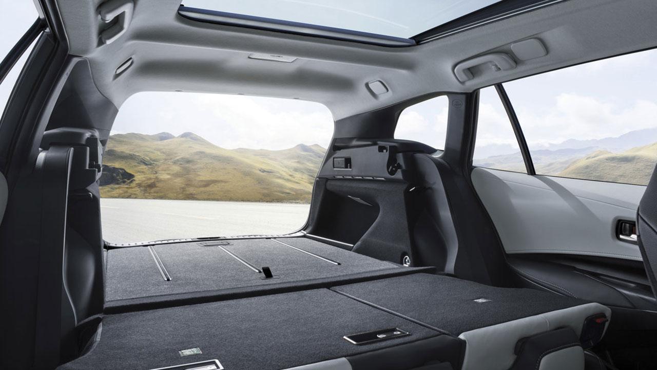 Toyota Corolla Touring Sports - offener Kofferraum