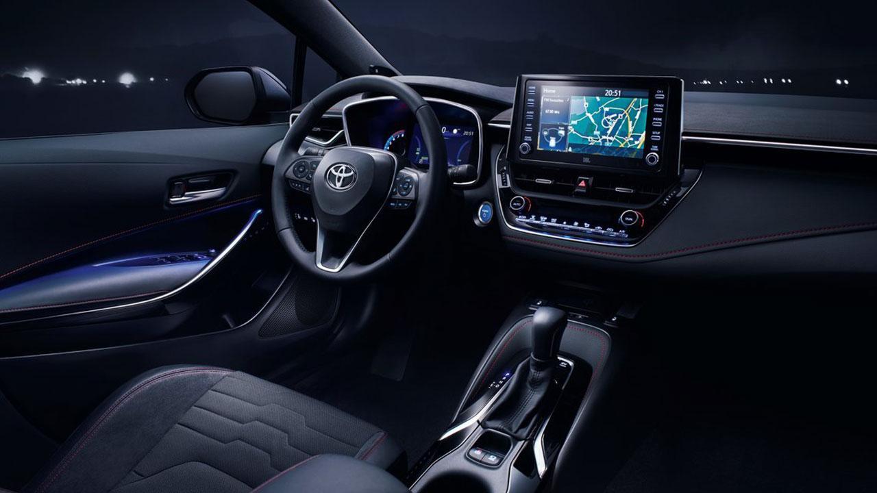Toyota Corolla Limousine - Cockpit