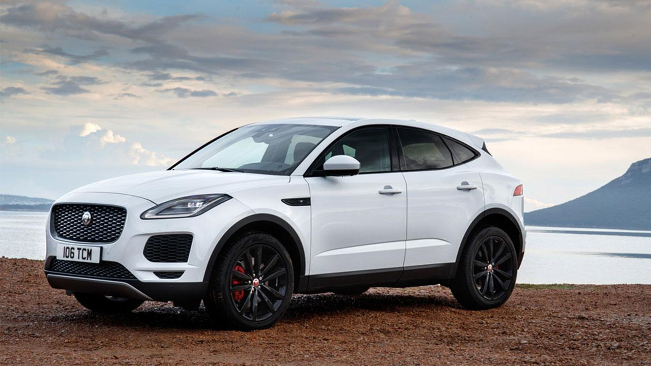 Jaguar E-PACE - am Strand
