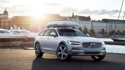 Volvo V90 Cross Country - im Hafen