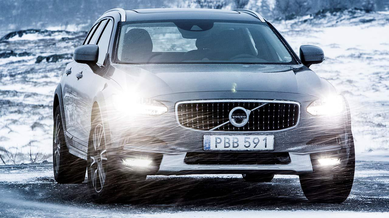 Volvo V90 Cross Country - in voller Fahrt