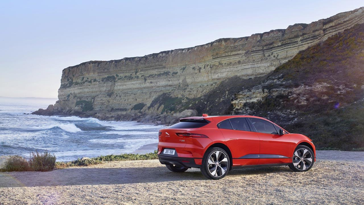 Jaguar I-PACE - am Strand