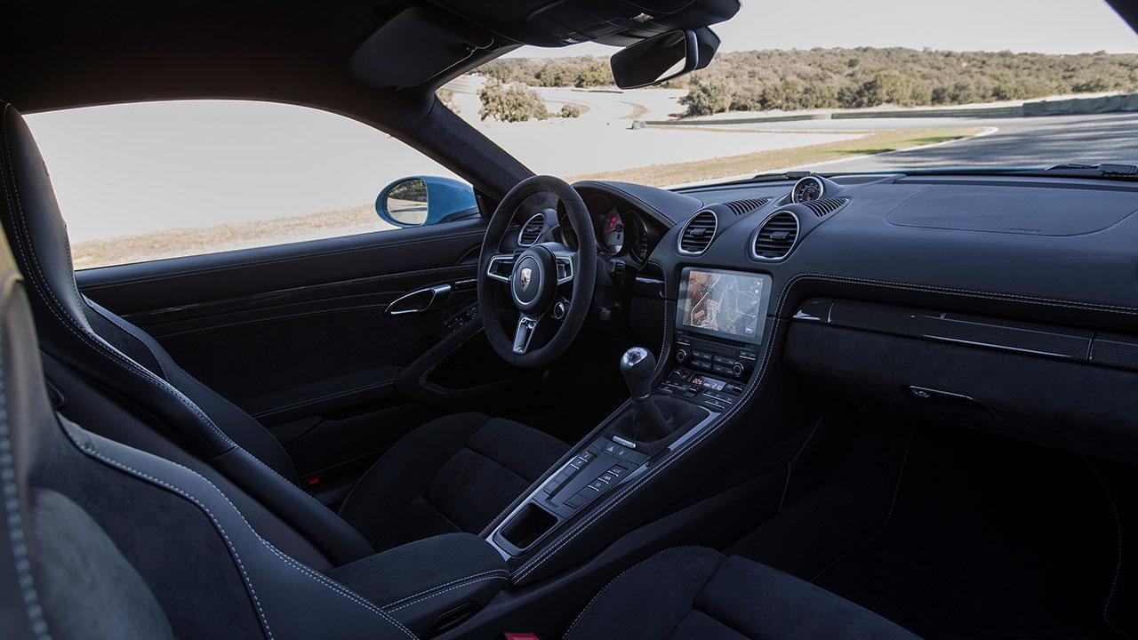 Porsche Cayman GTS - Cockpit