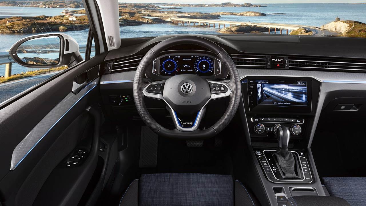 Volkswagen Passat GTE - Cockpit