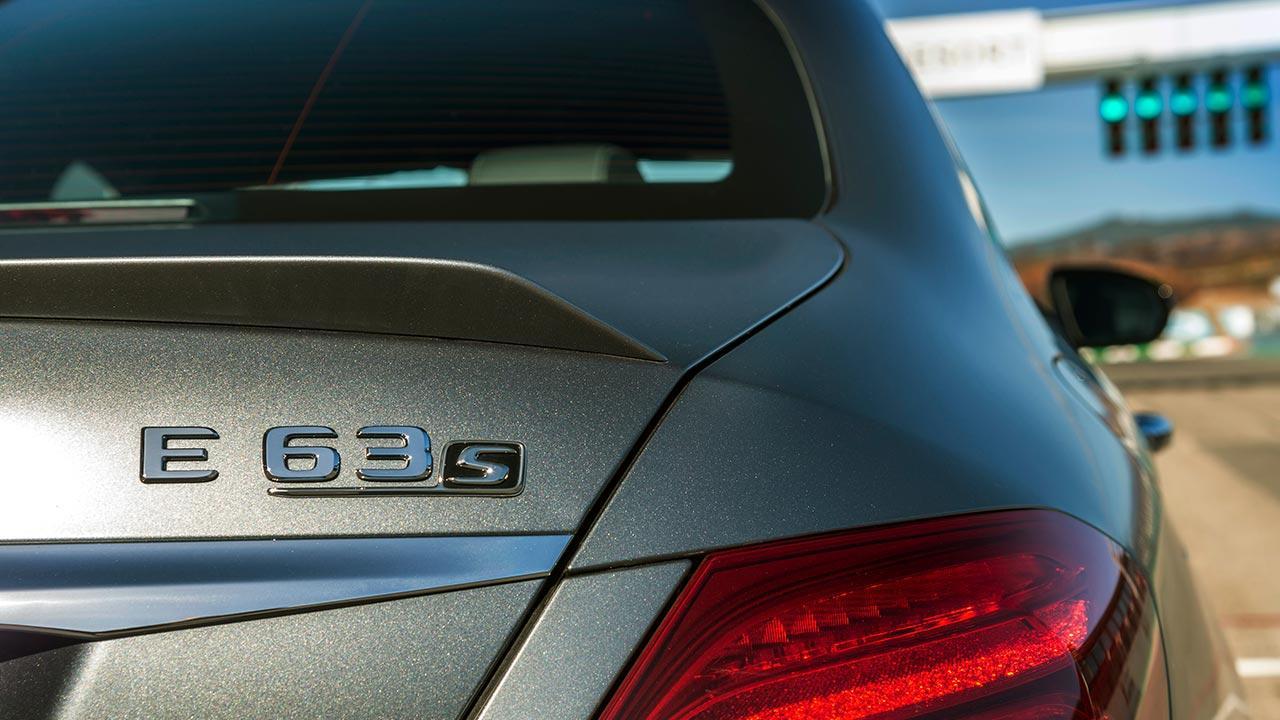 Mercedes-AMG E 63 4MATIC+ Limousine - Schriftzug