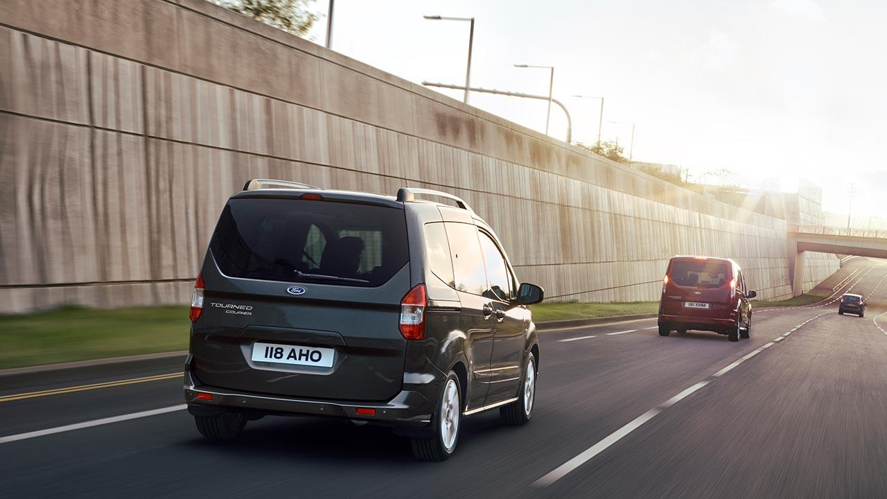 Ford Tourneo Courier - auf der Autobahn