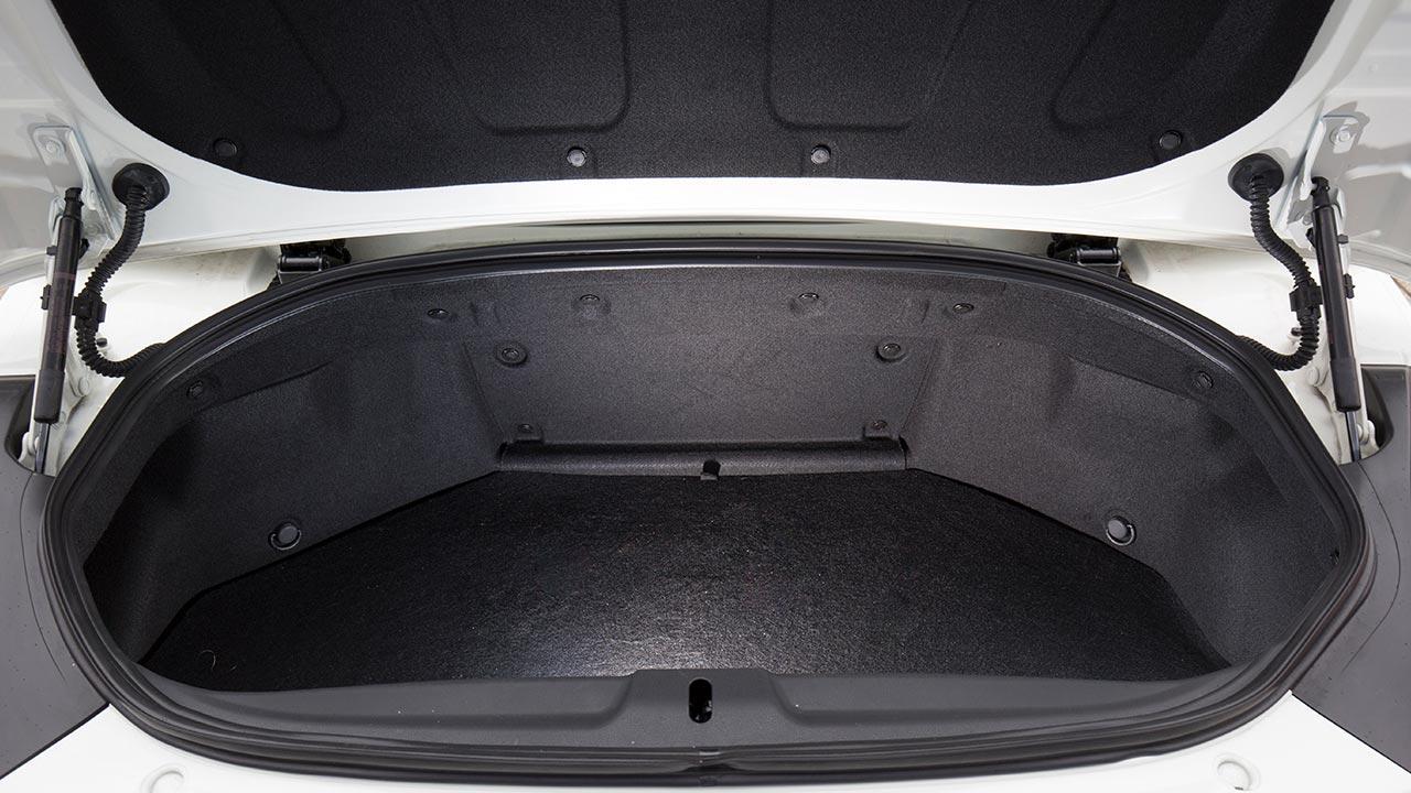 Nissan 370Z Roadster - Kofferraum