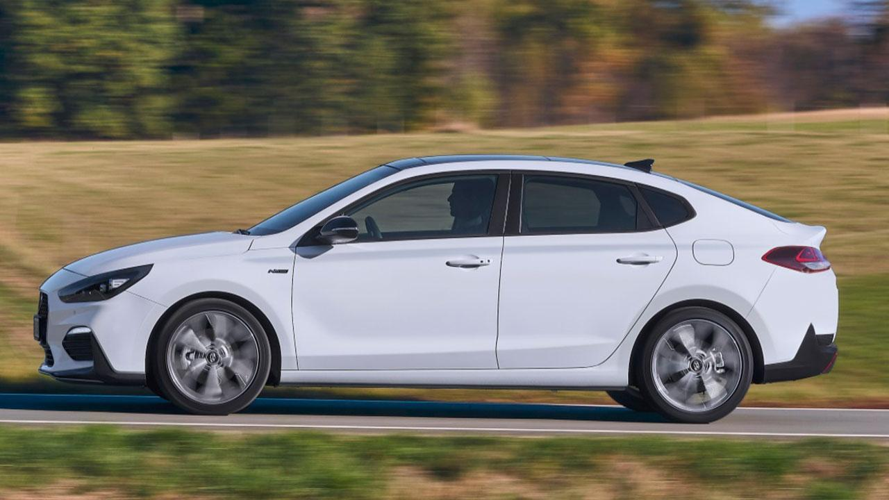 Hyundai i30 Fastback - Seitenansicht