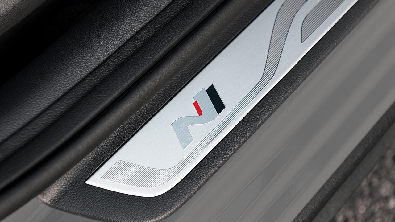 Hyundai i30 Fastback N - Einstiegsleiste